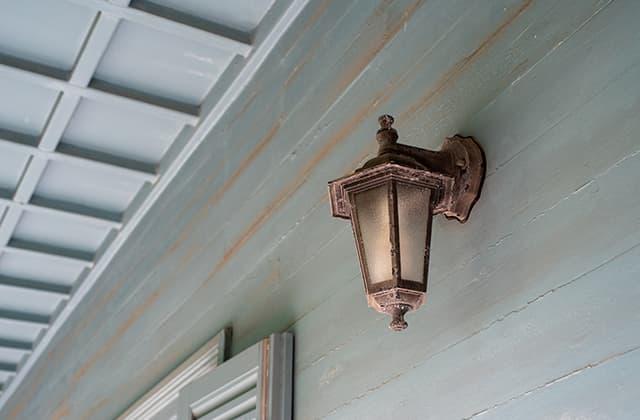 玄関ポーチのポーチ灯